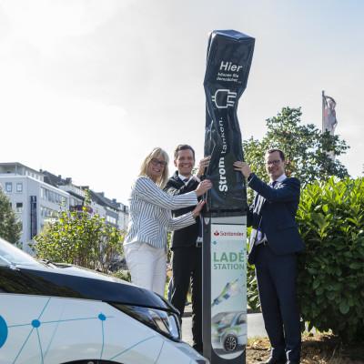 Eröffnung der E-Ladesäule in Dortmund