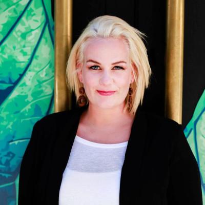 Lina Molander -  En av författarna i antologin Tips från Coachen