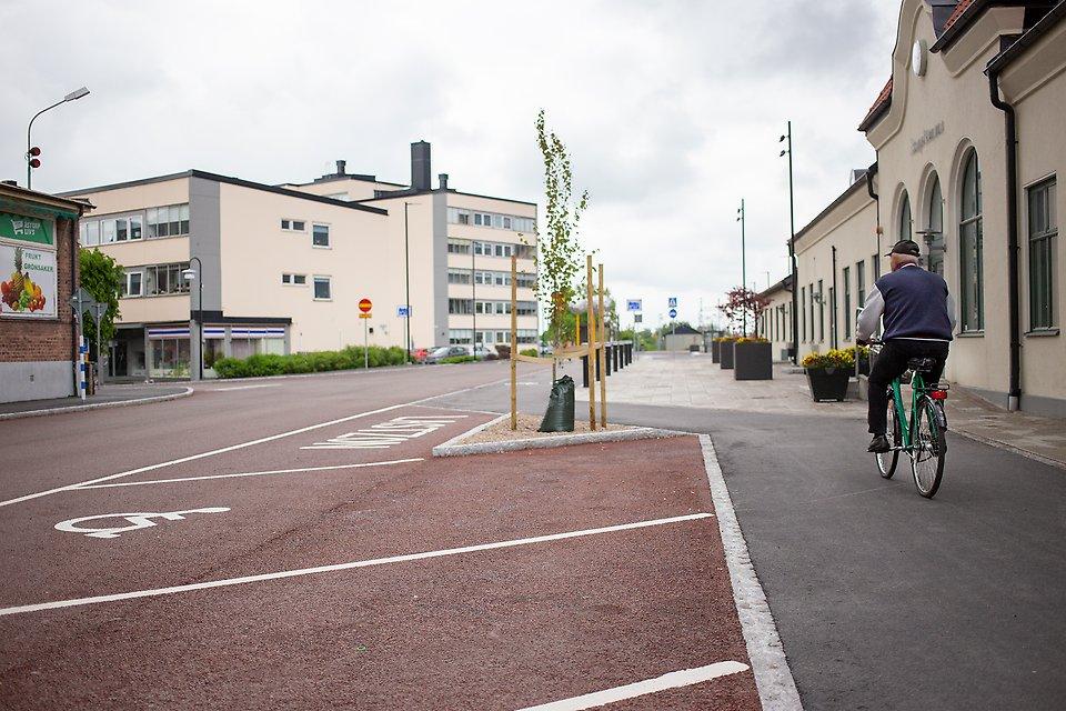 Cykelväg vid stationshuset i Åstorp