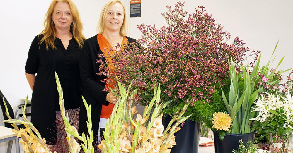 Camilla Rosén, som tillsammans med Lisa Emilsson är lärare för utbildningen, här bredvid  Mariella Niemi, Arbetsmarknads- och vuxenutbildningschef, Campus Västra Skaraborg.