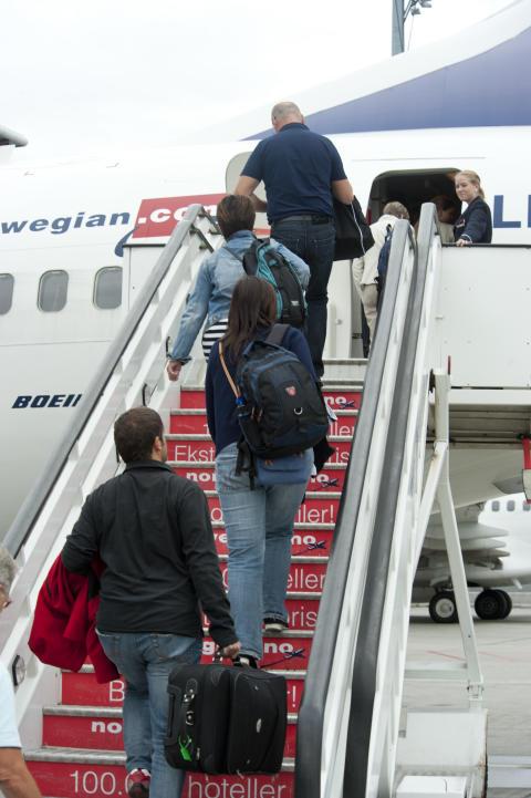 Vähemmän jonottamista Helsinki-Vantaalla ja Oulussa