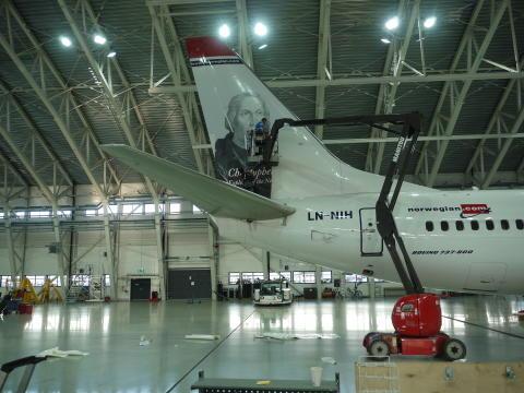 Painting of Chistopher Columbus' tail hero (LN-NIH) at Norwegian's hangar in Oslo.