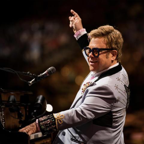 FAREWELL STOCKHOLM - ELTON JOHN KOMMER TILL TELE2 ARENA MED SIN 'FAREWELL YELLOW BRICK ROAD WORLD TOUR'