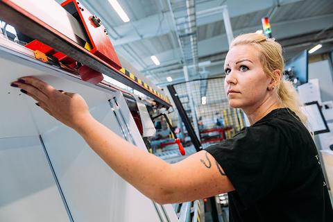 Trä- och Möbelföretagen, TMF, publicerar årets Rekryteringsrapport:  Fortsatt rekryteringsbehov i trä- och möbelindustrin men brist på kvalificerad arbetskraft