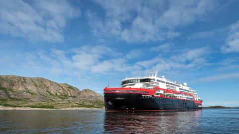 MS Roald Amundsen - Photo credit Hurtigruten _  Espen Mills - 03