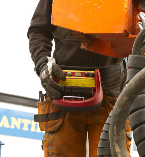 A Cavotec radio remote control unit at a drill rig site