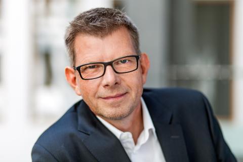 Thorsten Dirks wird neuer CEO der Deutsche Glasfaser Unternehmensgruppe - Ruben Queimano übernimmt die Position des CCO
