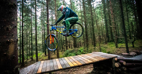 Brage Vestavik skal bygge sykkelstier i Trysil