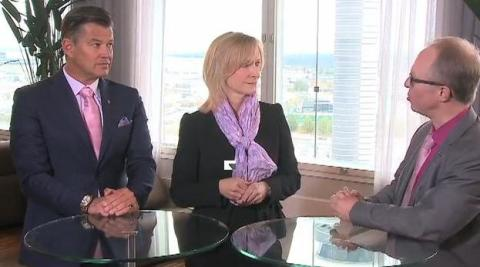 Kristina Alvendal, VD Airport City Stockholm, och Lars Bryntesson, kommunstyrelsens ordförande Sigtuna kommun, samt Per Taube, styrelseordförande Arlandastad Holding, samtalar om destination Airport City Stockholm