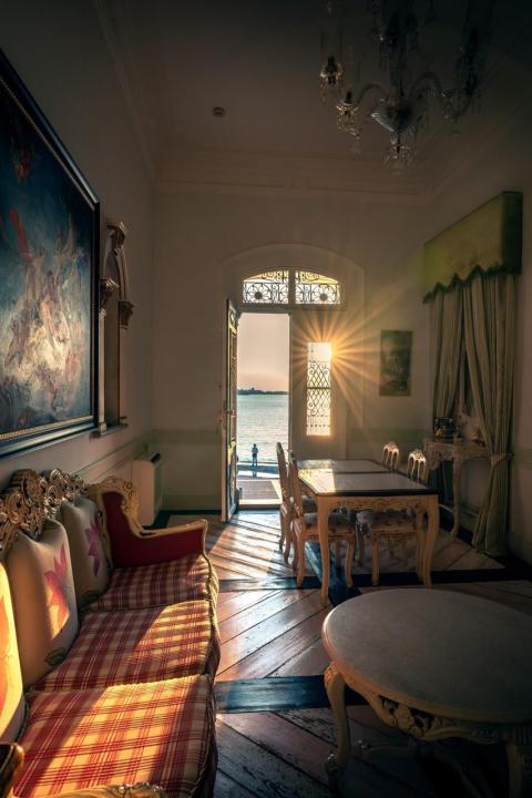 Ilhan Eroglu, Sony a7R III, window view