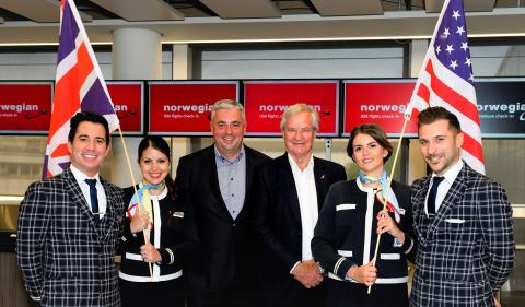 Norwegian CEO Bjorn Kjos and Gatwick Airport CEO Stewart Wingate with cabin crew