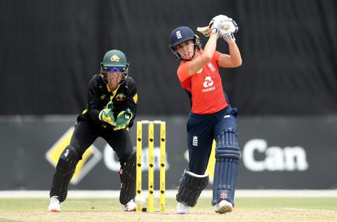 Australia Take Final IT20 To Eliminate England