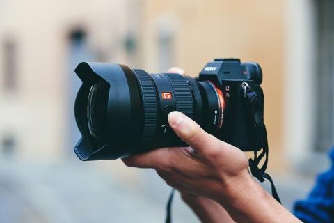 Η Sony ενισχύει τη σειρά Full-Frame φακών της λανσάροντας τον 12-24mm G Master™, ο πιο ευρυγώνιος* φακός ζουμ στον κόσμο F2.8