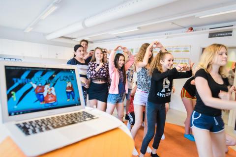 Elever från Erlaskolan