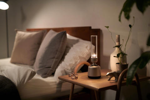 Crystal clear Hi-Res Audio sound that harmonises with your home interior: introducing the new Sony Glass Sound Speaker