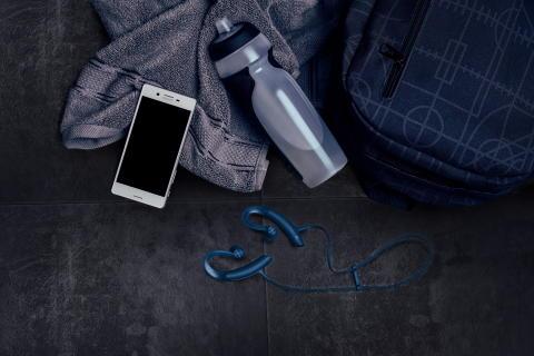 Få ekstra utbytte av treningen med Sonys EXTRA BASS™ treningsøreplugger