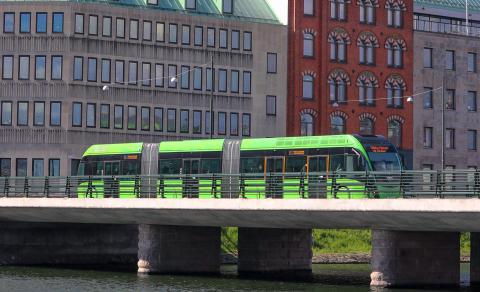 Fler och fler skåningar väljer bussen och tåget
