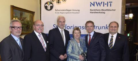 Reinhold Schulte erhält Floriansmedaille