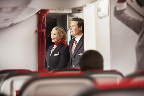 Miehistö Norwegianin Boeing 737 MAX 8 -koneessa