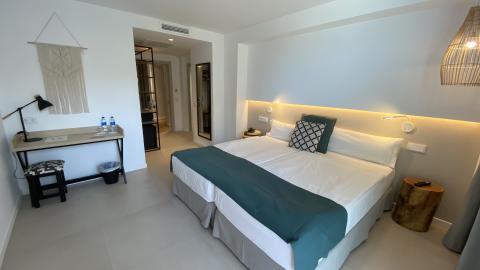 003 allsun Marena Beach Zimmer im Bali Style