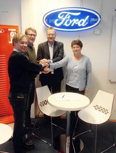 Kontraktssignering mellom Hovli Auto AS og Ford Motor Norge AS om oppstart av salg av Ford på Gol og Fagernes.