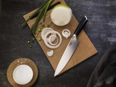 Knives_EGO-Sandvik_Chef-Knife-ES20CK_w_onion_landscape