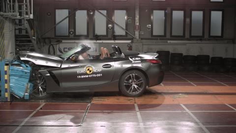 BMW Z4 frontal offset impact 2019