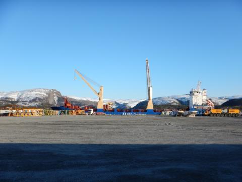 Turbiner på vei, Sjøvegen ved Monstad kai stenges 14. mars