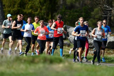 Långlöpning, deltagarrekord och snabba löpare på Lidingö igår