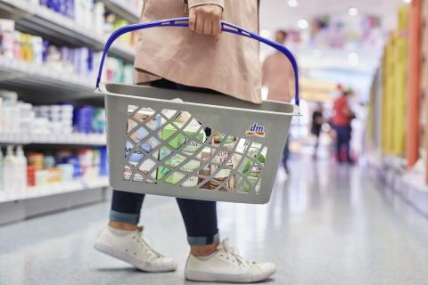 """YouGov-Ranking """"Marke des Jahres 2020"""": dm wiederholt beliebtester Händler, dmBio zum ersten Mal in der Top 10 der Gesamtbewertung"""
