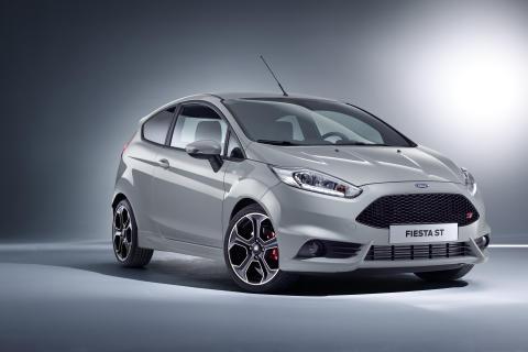 Ford viser ny Fiesta ST200, ny Kuga  og Ford GT for gate og bane i Geneve