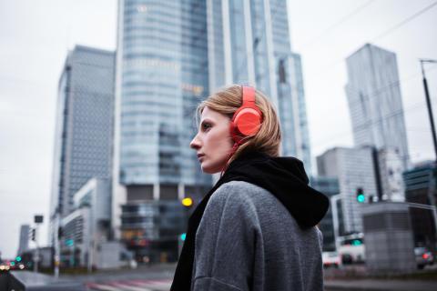 Słuchawki h.ear on ceglastoczerwone