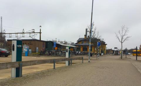 Nya laddmöjligheter för elbilsförare vid Ängelholms Centralstation