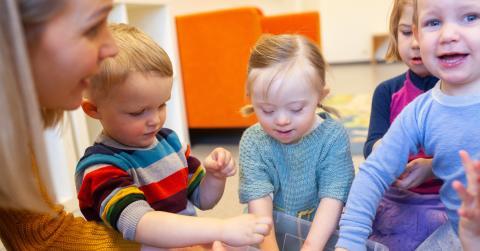 Språkleken Bravo er et effektivt verktøy for å stimulerer barns språkutvikling. Foto: Lars Kristian Singelstad