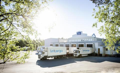 Samdistribution i Norrland. Lastning Luleå mejeri.