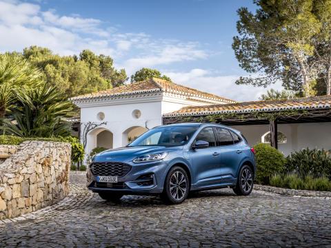 Nå er den ladbare hybriden Ford Kuga klar for Norge