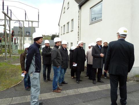 Kommunalvertreter besichtigen Umspannwerk Naila
