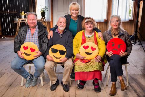 Folkkära kändisar utmanas digitalt i UR:s nya tv-serie Seniorsurfarna