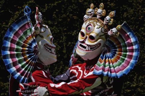 Tashi Lhunpo Monks 3