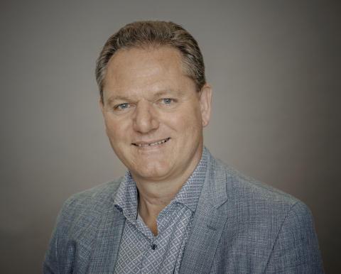 Steen Frederiksen [Farve]