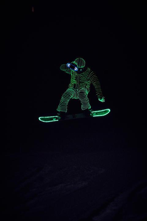 BUCK_LED_Snowboarders08