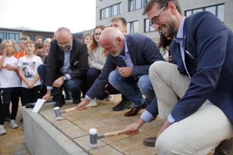 Schule Schwanebeck offiziell übergeben