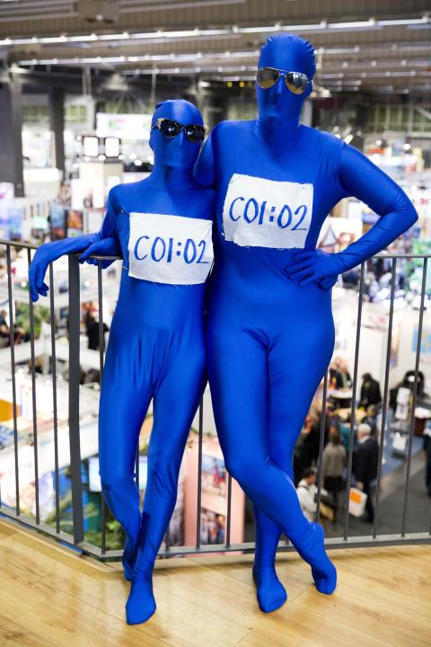 Blå figurer på TUR