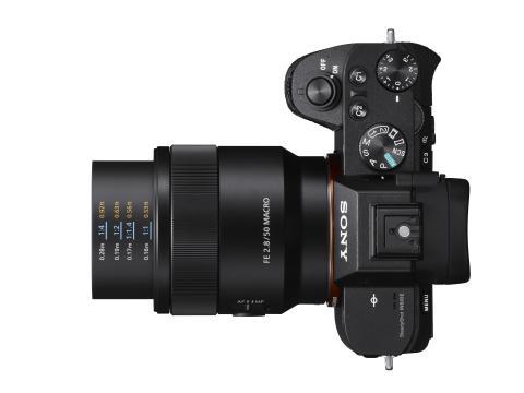 SEL-50M28_a7II von Sony