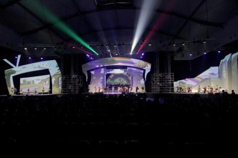 Epson Pamerkan Projector Mapping pada Panggung dalam Konser Dongeng 3 Naura