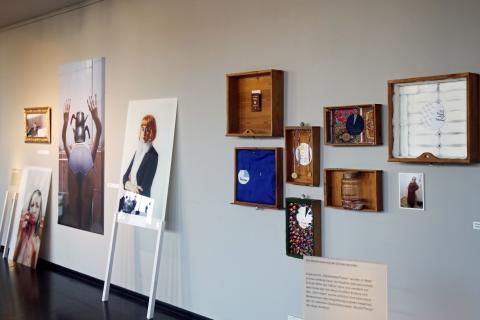 """Ausstellungsexponate in der Ausstellung """"Re:Orient - Die Erfindung des muslimischen Anderen"""""""