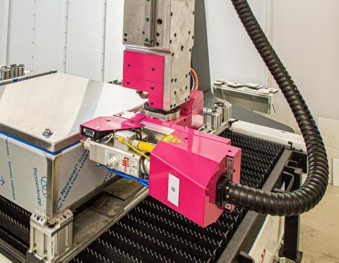 3D-laseren er i stand til at bearbejde fem sider på et skab, uden at der skal ske en ny opspænding og indjustering.