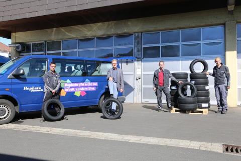 Hephata-Fuhrpark: Freude über gespendete Reifen von Eintracht-Frankfurt-Sponsor Nexen