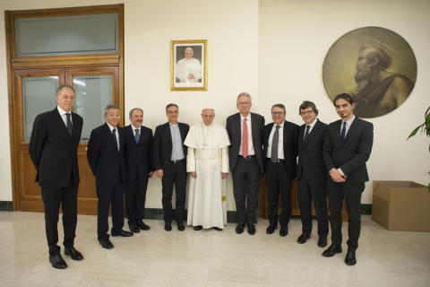 Papa Francesco ha ricevuto in udienza privata i leader di Eutelsat, Globecast e Sony, accompagnati dai vertici della Segreteria per la Comunicazione e del Centro Televisivo Vaticano