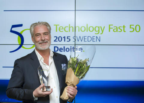 Magnus Crossner tar emot utmärkelse av Swedish Technology Fast 50